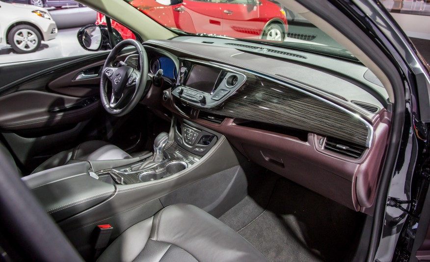 2016-Buick-Envision-121-876x535