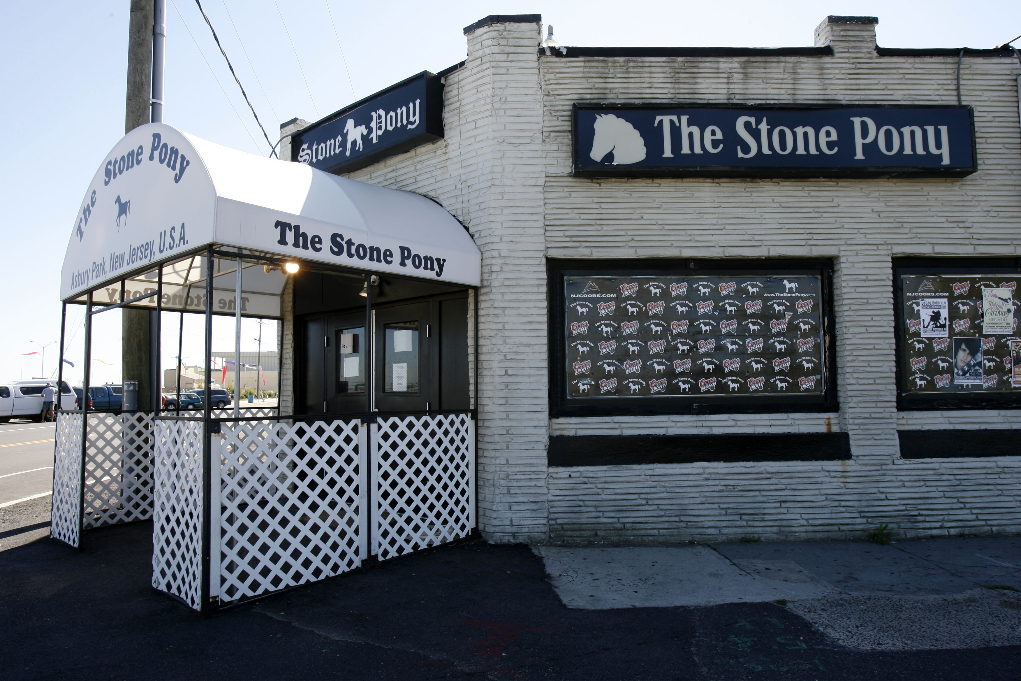 20070919NKM 6/x Exterior photo of the Stone Pony. The building is on the list of the best 150 bldgs according to NJ architects . Ocean Grove, NJ 9/19/07 2:25:39 PM NOAH K. MURRAY/THE STAR-LEDGER